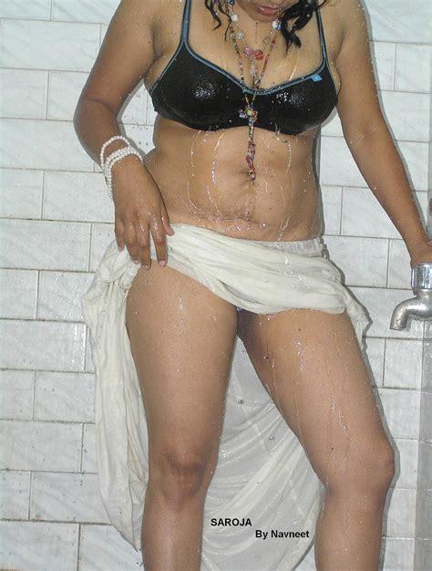 Aishwarya Rai Saroja Bhabi In White Saree