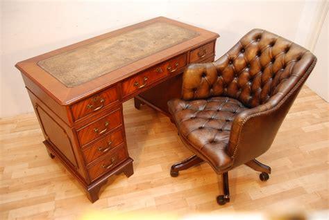vintage mahogany desk antique style mahogany writing pedestal writing desk 3242