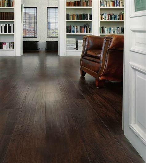luxury vinyl plank flooring    wood