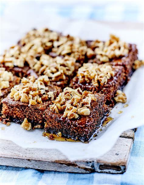 2 recette de cuisine karidopita ou gâteau aux noix crétois pour 6 personnes