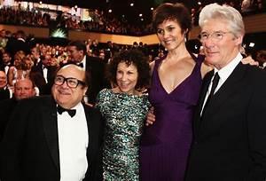 Danny DeVito, Richard Gere & Wives At Kamera Awards (PHOTO ...