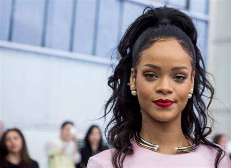 rihanna net worth salary house car