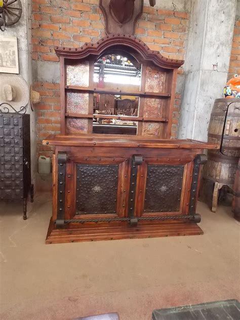 barra cantina de madera  hierro forjado estilo antiguo