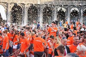 World Record Aperol Spritz Toast set. Cheers! | Social ...