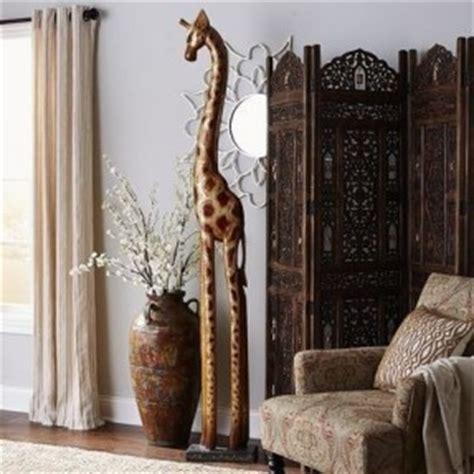 tall wooden giraffe hollywood