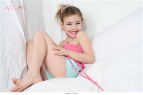 miss alli and bonita cumception