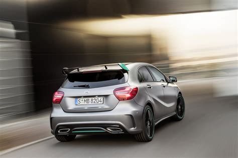 2016 Mercedes A-class Facelift Debuts With New 1.6 Engine