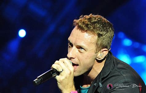 coldplay ascolta hymn   weekend feat beyonce