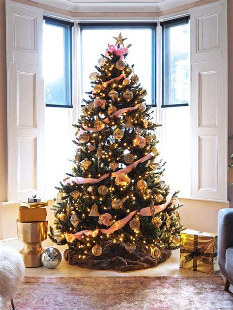 serene christmas christmas tree decorating ideas