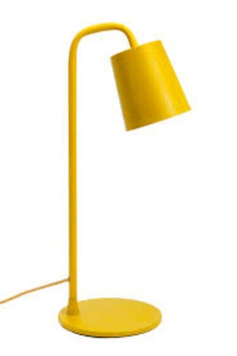 le bureau jaune la le de bureau ikea est le bijou de votre bureau