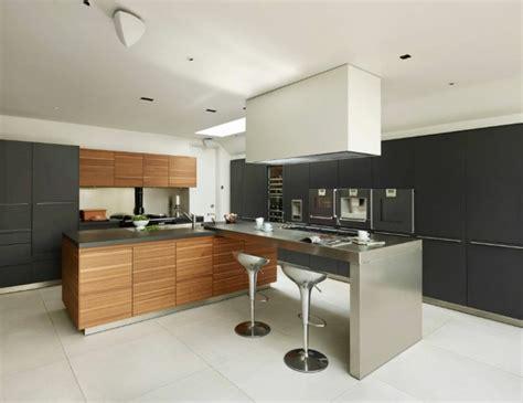 cuisine inox et bois cuisine et bois un espace moderne et intrigant