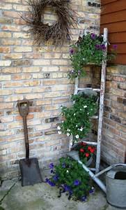 do it yourself ideen fur die blumentreppe im garten With französischer balkon mit ausgefallene pflanzgefäße für den garten