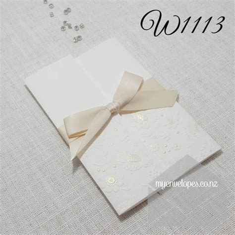 Z-w1113 Embossed Wedding Invitation Cover Cream