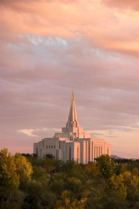 temple of light mormonism in pictures the gilbert arizona temple house