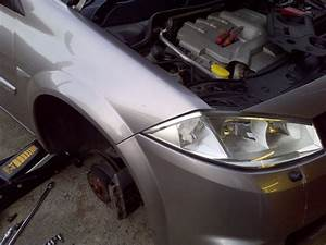 Screw In A Light Bulb How To Change Megane Headlight Bulbrenault Repairs