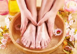 Как распознать грибок ногтей и кожи стопы