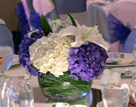 blue and white table centerpieces 96 best wedding table flowers images on pinterest wedding tables hydrangeas and curly willow