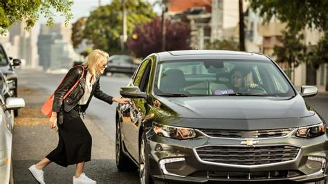 Lyft Will Offer Drivers Discounted Car Rentals In Bid To