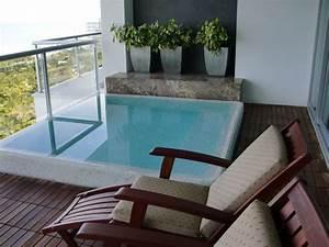 Mini Whirlpool Balkon : mini pool on the balcony in 2020 jacuzzi outdoor ~ Watch28wear.com Haus und Dekorationen