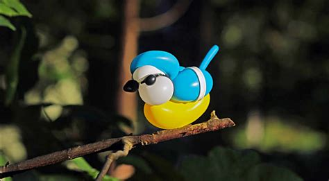 painter finds  medium  making balloon birds diy ways