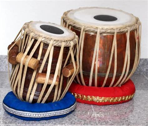 Karnatak music, also spelled karnatic or carnatic, music of southern india (generally south of the city of hyderabad in andhra pradesh state) that evolved from ancient hindu traditions and was relatively unaffected by the arab and iranian influences that, since the late 12th and early 13th centuries, as a result of the islamic conquest of the north, have characterized the hindustani music of. 10 Popular, Traditional, Indian Musical Instruments (for Folk and Classical Music)   HubPages