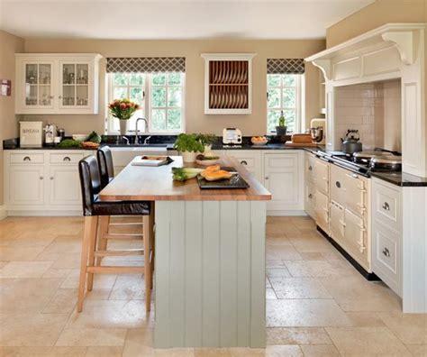 cottage style kitchen island best 25 kitchen fireplaces ideas on kitchens 5919