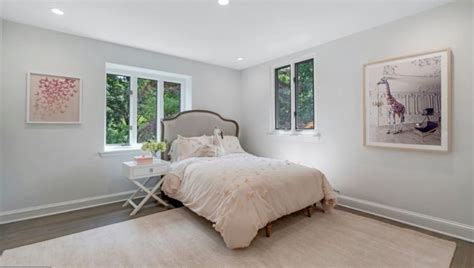 malvern bank house   week sunny  spacious renovated colonial  move  ready