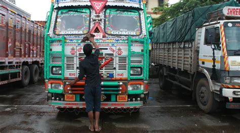 Truckers' Strike Highlights Nearly 45 Lakh Trucks Off