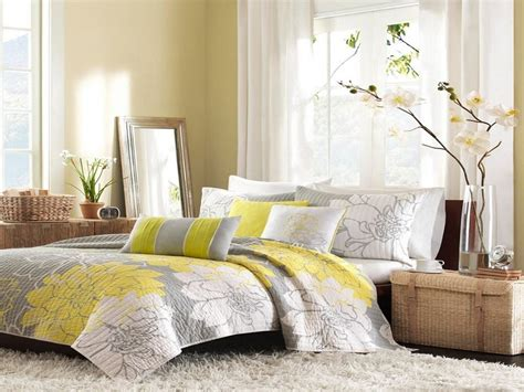 Yellow Bedroom Curtains by White Curtains With Grey Flowers Gray And Yellow Bedroom