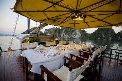 Bay Lounge Boat Cruise by Bay Cruise Indochina Junk