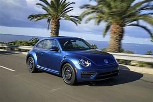 Garage Volkswagen 93 : 2018 volkswagen beetle new car review autotrader ~ Dallasstarsshop.com Idées de Décoration