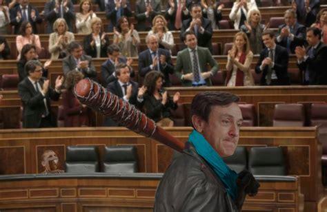 La moción de censura contra elpresidente de españafue presentada el viernes pasado, ante la sentencia del caso gurtel, una trama de corrupción en. Demigrante: Memes moción de censura de Podemos