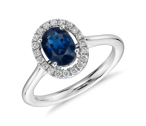 solitaire engagement ring oval sapphire and micropavé ring in 18k white gold