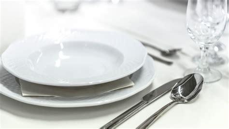 porcelain dinnerware material why