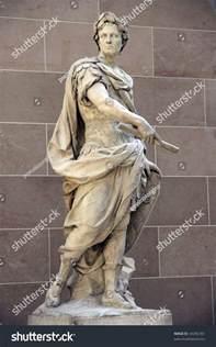 Julius Caesar Statue Louvre