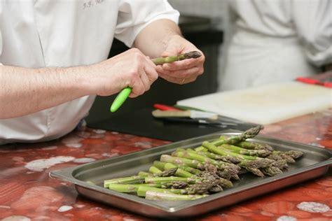 cuisiner l asperge l 39 asperge et ses bienfaits combien de calories et
