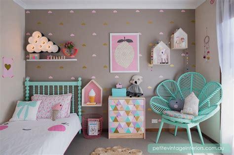 chambre synonyme idée déco chambre enfant douce et poétique imprimé nuage