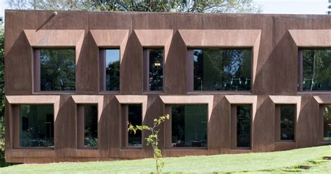Roeoesli & Maeder Completes New Swiss Embassy In Nairobi