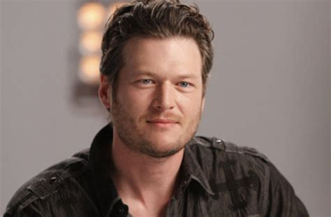blake shelton songs blake shelton performs songs by queen and maroon 5 says