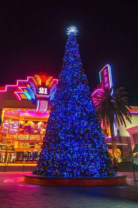 irvine spectrum s dancing xmas tree california apparel