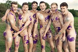 University of Warwick MEN'S rowing team strip off for