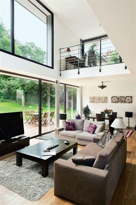 bureau en mezzanine une maison moderne qui invite le jardin à l 39 intérieur