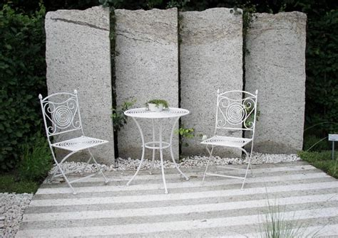 terrassentrennwaende material und stil
