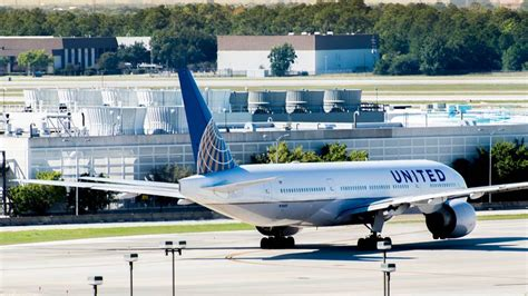 houston s airports resume limited operations business