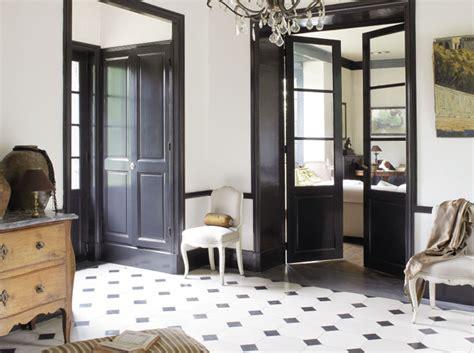 carrelage damier noir et blanc cuisine idee déco entrée noir et blanc