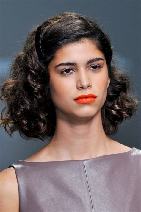 cute holiday hairstyles for short hair stylecaster