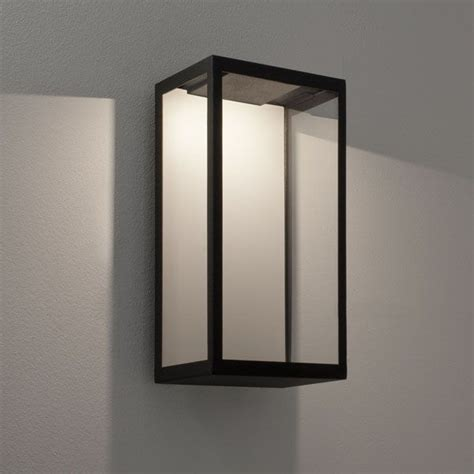 puzzle led wall light ip44 in textured black and clear diffuser inc 4 2w 3000k led astro