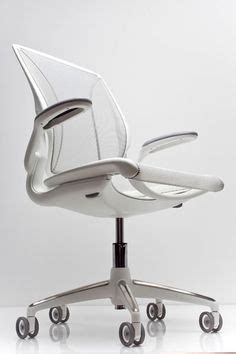 Diffrient World Chair Vs Aeron by 1000 Ideas About Ergonomic Chair On Home