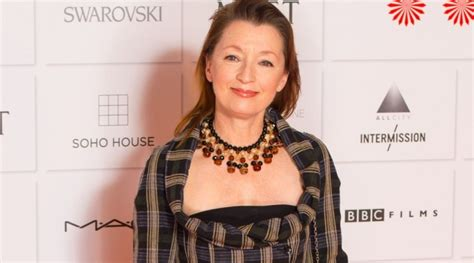 lesley manville height weight age affairs husband