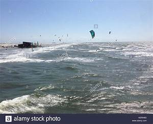 Surf Hotel Sankt Peter Ording : kite surfing is a famous sport in st peter ording germany stock photo 129596252 alamy ~ Bigdaddyawards.com Haus und Dekorationen